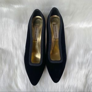 "Carriage Court Black Fabric 3"" High Heels Sz 9 1/2"